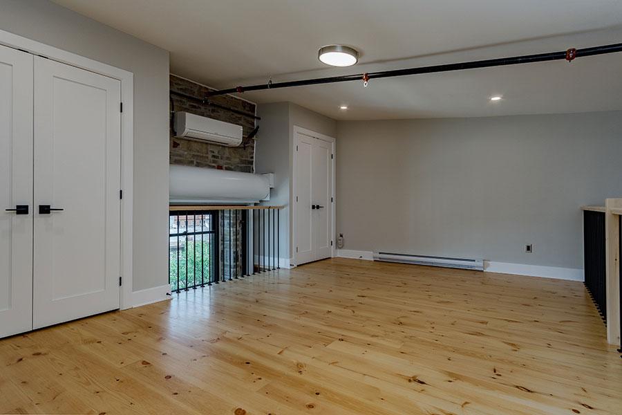 blond wood floors